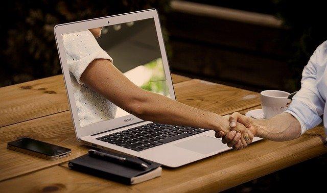 Сводничество из интернета